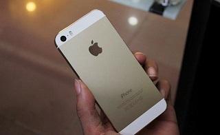 Mặt sau của chiếc điện thoại phải có chữ và dấu hiệu rõ ràng, sắc nét – nguồn ảnh: techz.vn