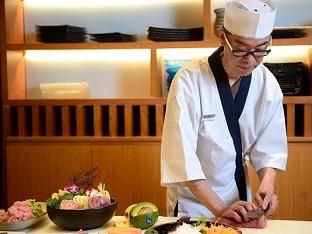 đầu bếp, phụ bếp cho các khách sạn bao ăn ở quận 1