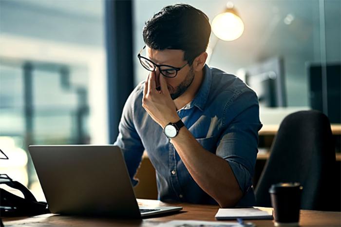 Nhân viên bảo trì máy tính là công việc làm đêm khá phổ biến hiện nay