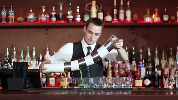 Học viên tốt nghiệp bartender có thể làm việc trong các quầy bar, nhà hàng, khách sạn
