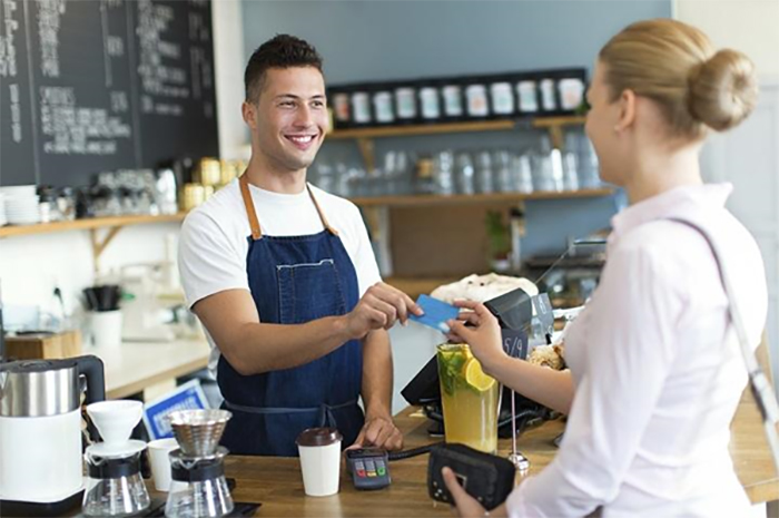 Nhân viên phục vụ chuyên nghiệp cần kiểm soát tốt cảm xúc, hành động của mình