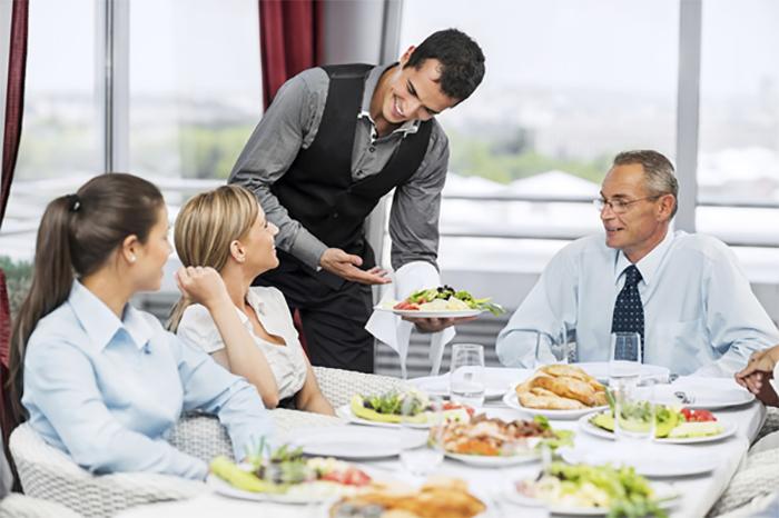 Hiểu cách chăm sóc khách hàng giúp bạn trở thành phục vụ chuyên nghiệp