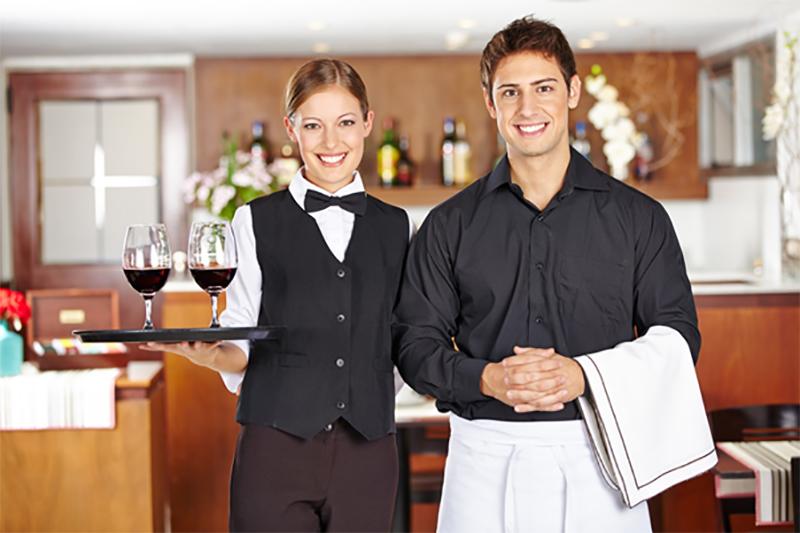 Làm cách nào để trở thành phục vụ nhà hàng - khách sạn chuyên nghiệp