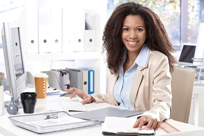 Lễ tân hành chính văn phòng sẽ thực hiện một số công việc liên quan đến văn thư, giấy tờ