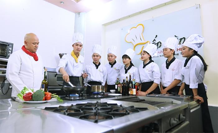 Học nghề đầu bếp không khó nếu bạn có đam mê và sự kiên trì