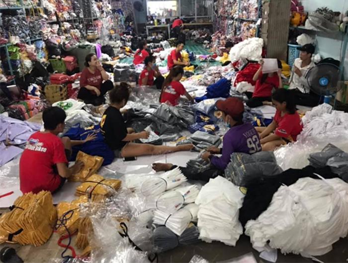 Nhiều cơ sở nhận may gia công quần áo