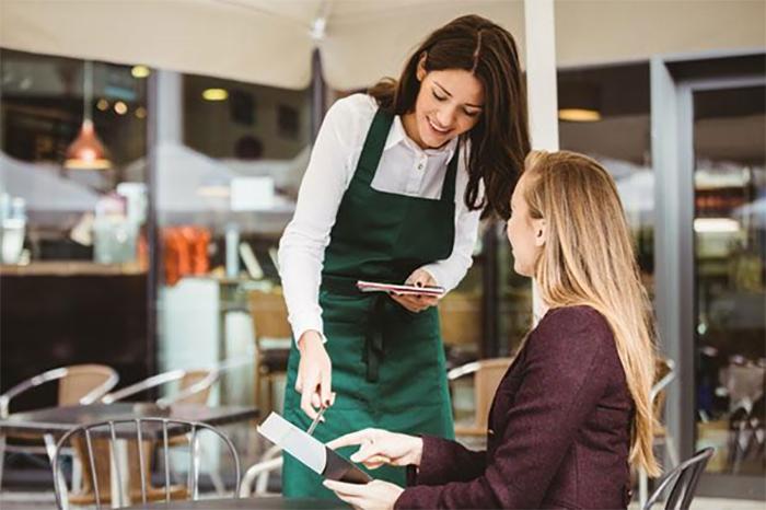 Nhân viên phục vụ nên ghi lại thông tin order một cách rõ ràng