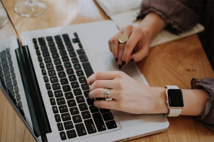 Công việc làm thêm tại nhà qua mạng là gợi ý thích hợp cho các bạn học sinh