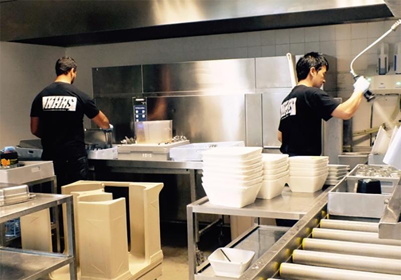 Rửa chén nhà hàng