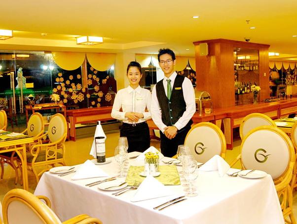 Phục vụ là việc làm thêm cho sinh viên ở Đà Nẵng có nhu cầu tuyển rất cao