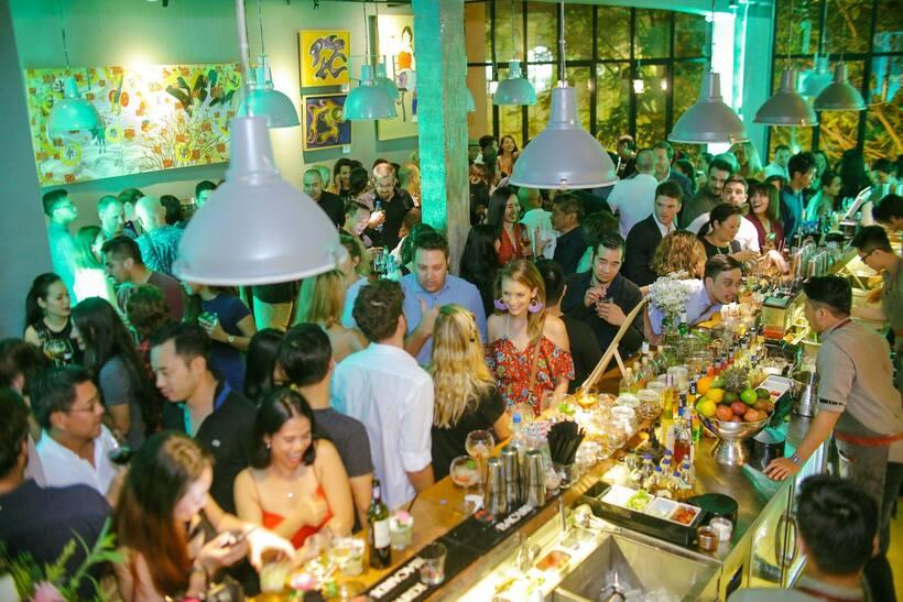 tuyển nhân viên phục vụ quán bar ca đêm tphcm