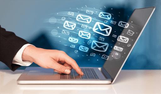 Chăm sóc khách hàng qua Email