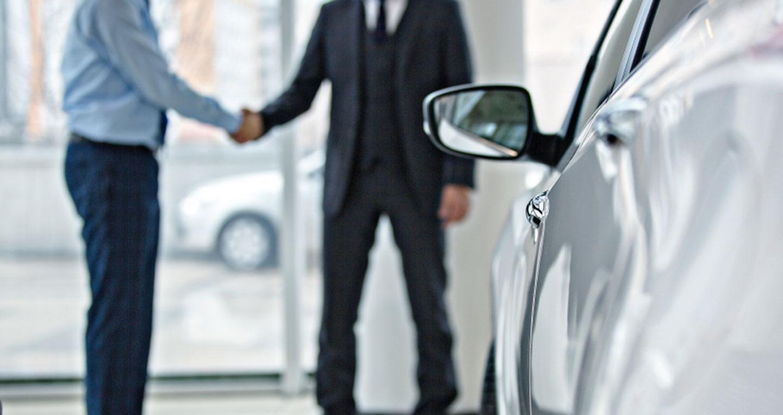 Nhân viên kinh doanh ô tô