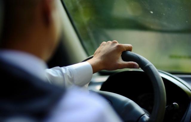 Nhân viên lái xe cho giám đốc