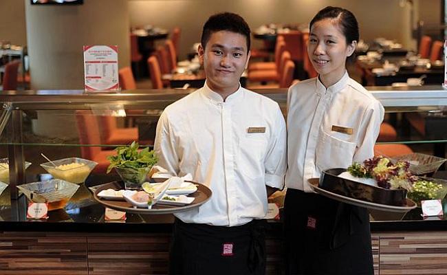 công việc phục vụ nhà hàng, quán ăn bao ăn ở quận 1