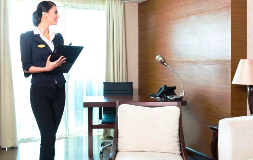 Trưởng bộ phận dọn phòng khách sạn
