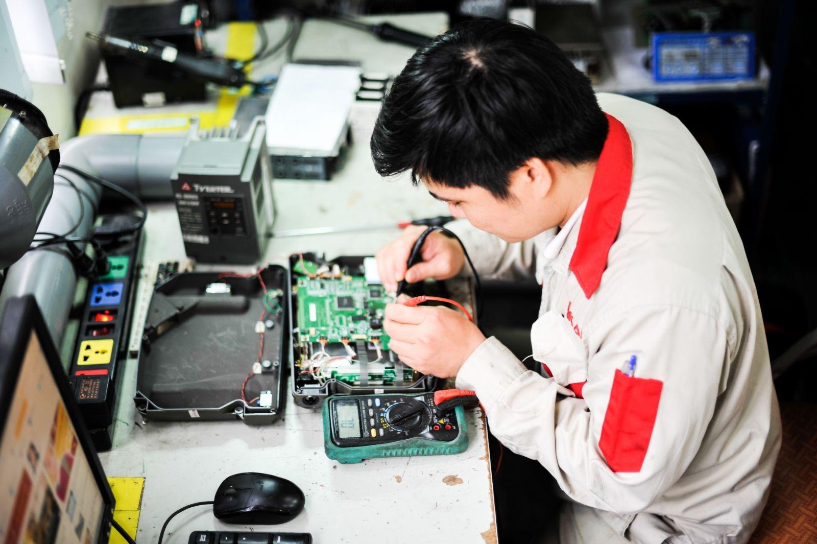 Việc làm thợ điện tử