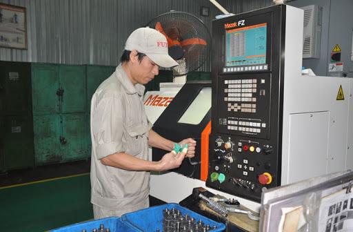 công nhân vận hành máy tại đà nẵng