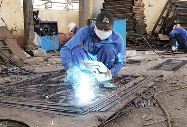 Thợ của sắt TPHCM làm việc theo hình thức khoán