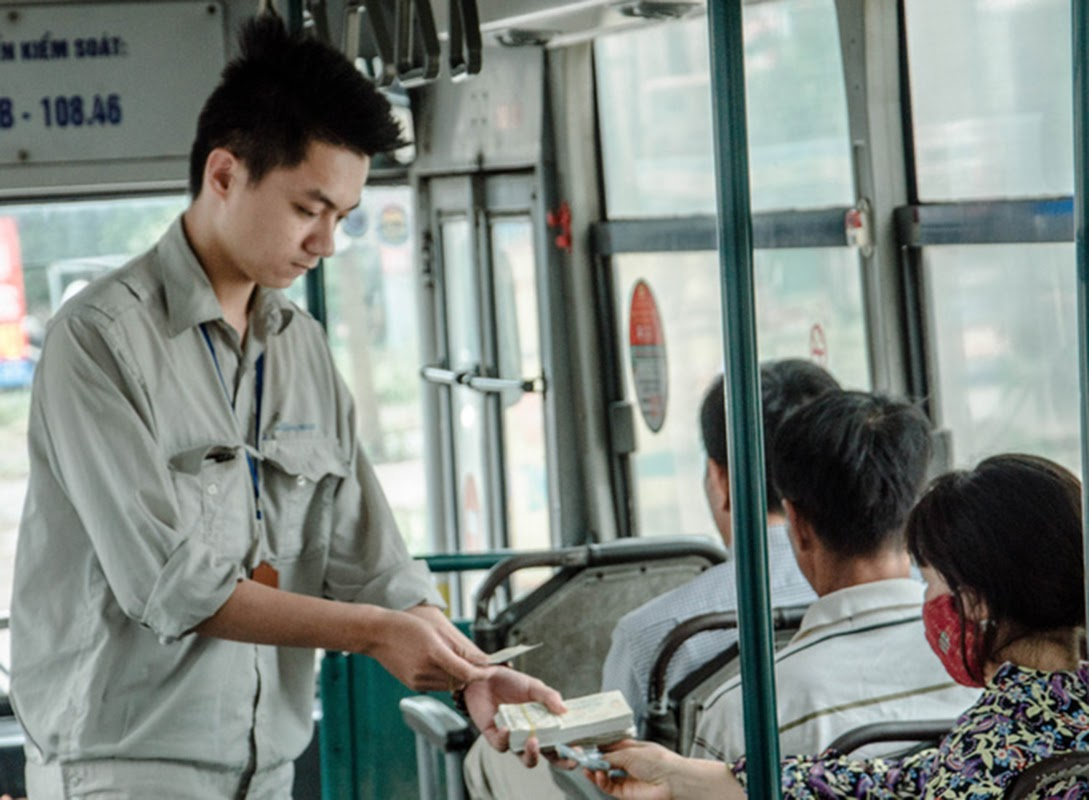 Bán vé xe buýt