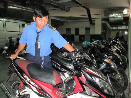 làm bảo vệ giữ xe tại Hà Nội