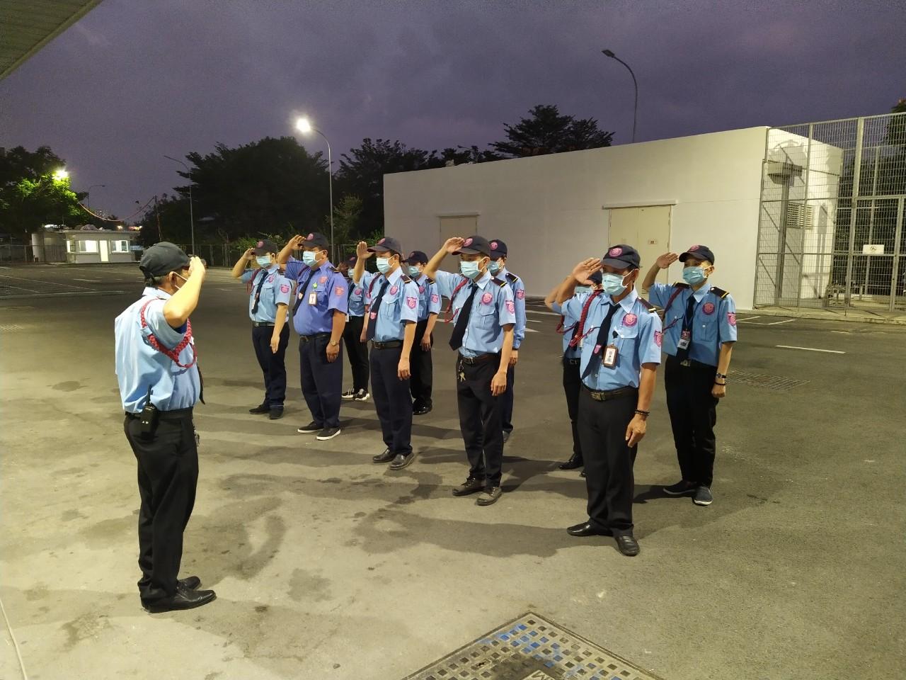 Bảo vệ trực đêm tại Đà Nẵng