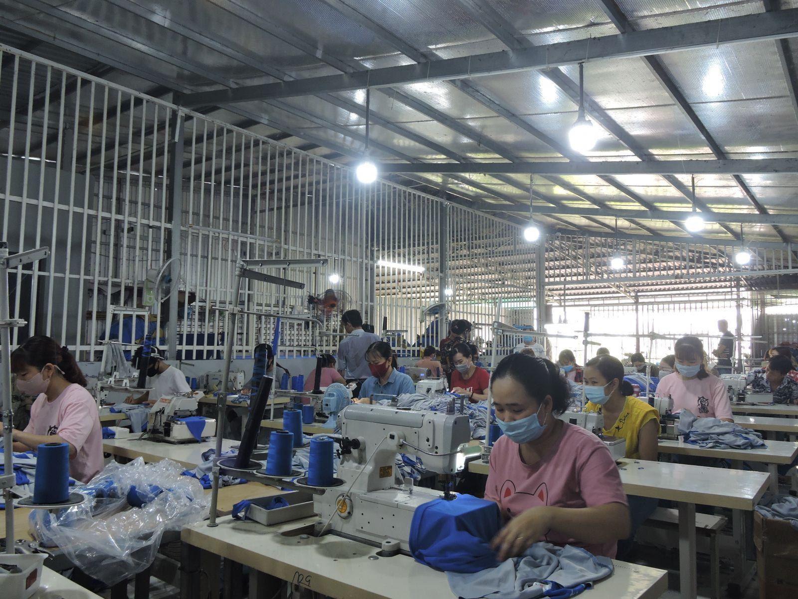gia công hàng quần áo quận 7