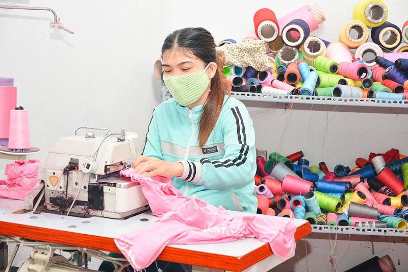 Gia công hàng quần áo