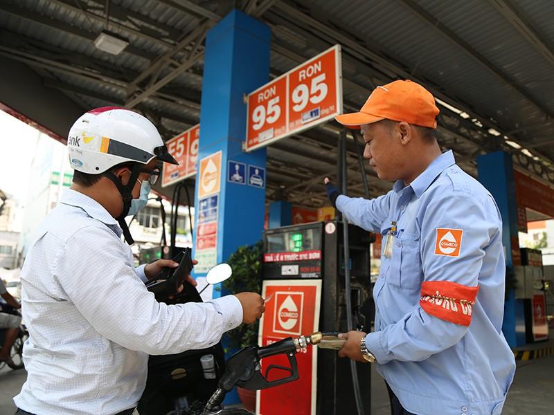 Tuyển công nhân bán xăng làm theo ca