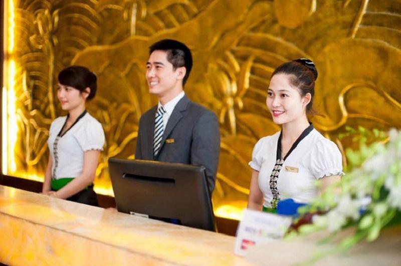 Tuyển lễ tân khách sạn bao ăn ở tại TPHCM