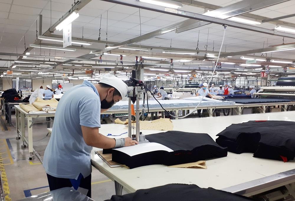 Thợ cắt vải công nghiệp TPHCM