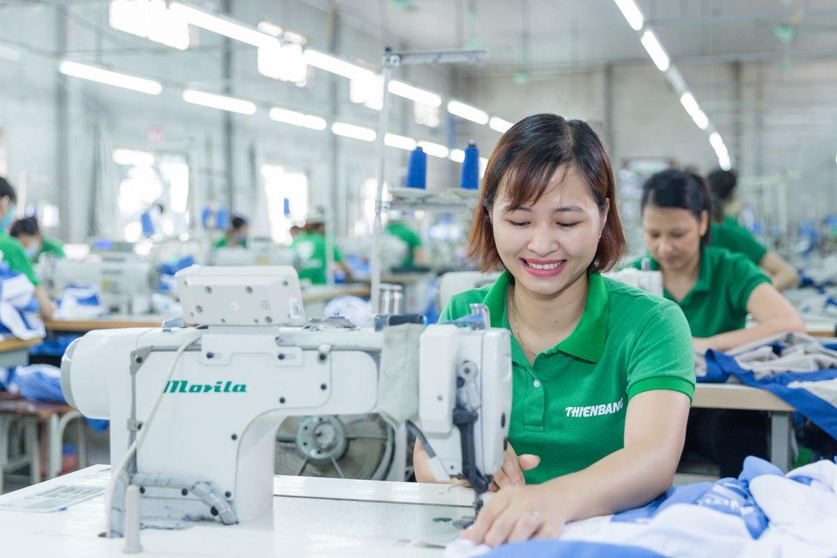 Công nhân may tại KCN Bàu Xéo