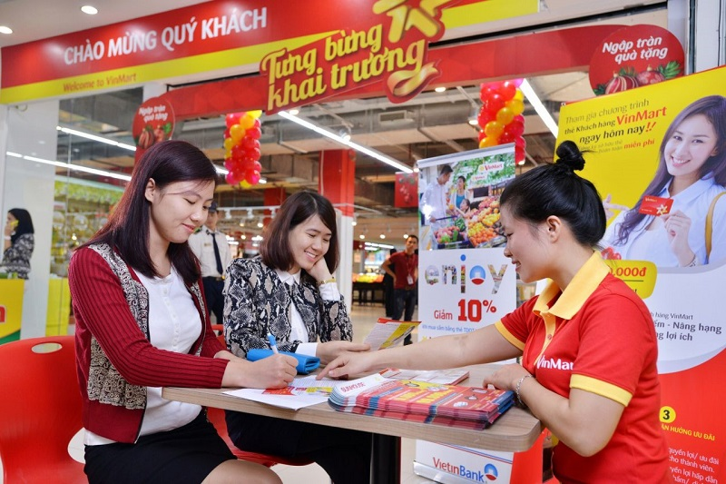 Nhân viên bán hàng thời vụ tại các siêu thị