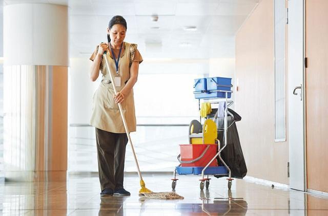 nhân viên vệ sinh bình dương