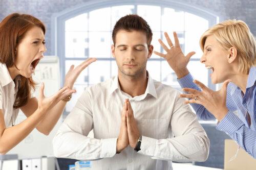 Kỹ năng kiểm soát cảm xúc mang đến lợi ích gì trong công việc?