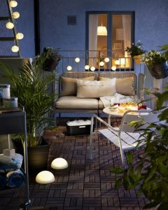 Mẹo trang trí ban công lãng mạn cho căn hộ